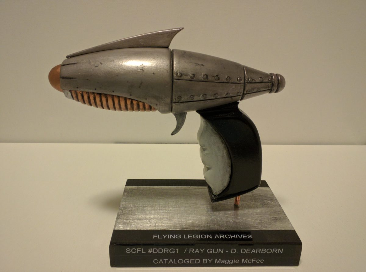 Sky Captain – Dex's ray gun